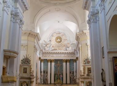 Troškūnų Švč. Trejybės bažnyčios ir bernardinų vienuolyno statinių kompleksas